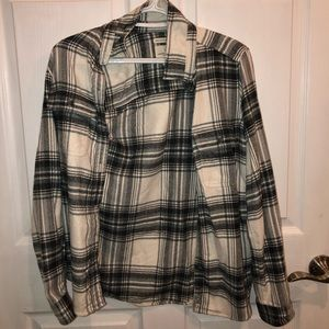 american eagle black and white flannel!